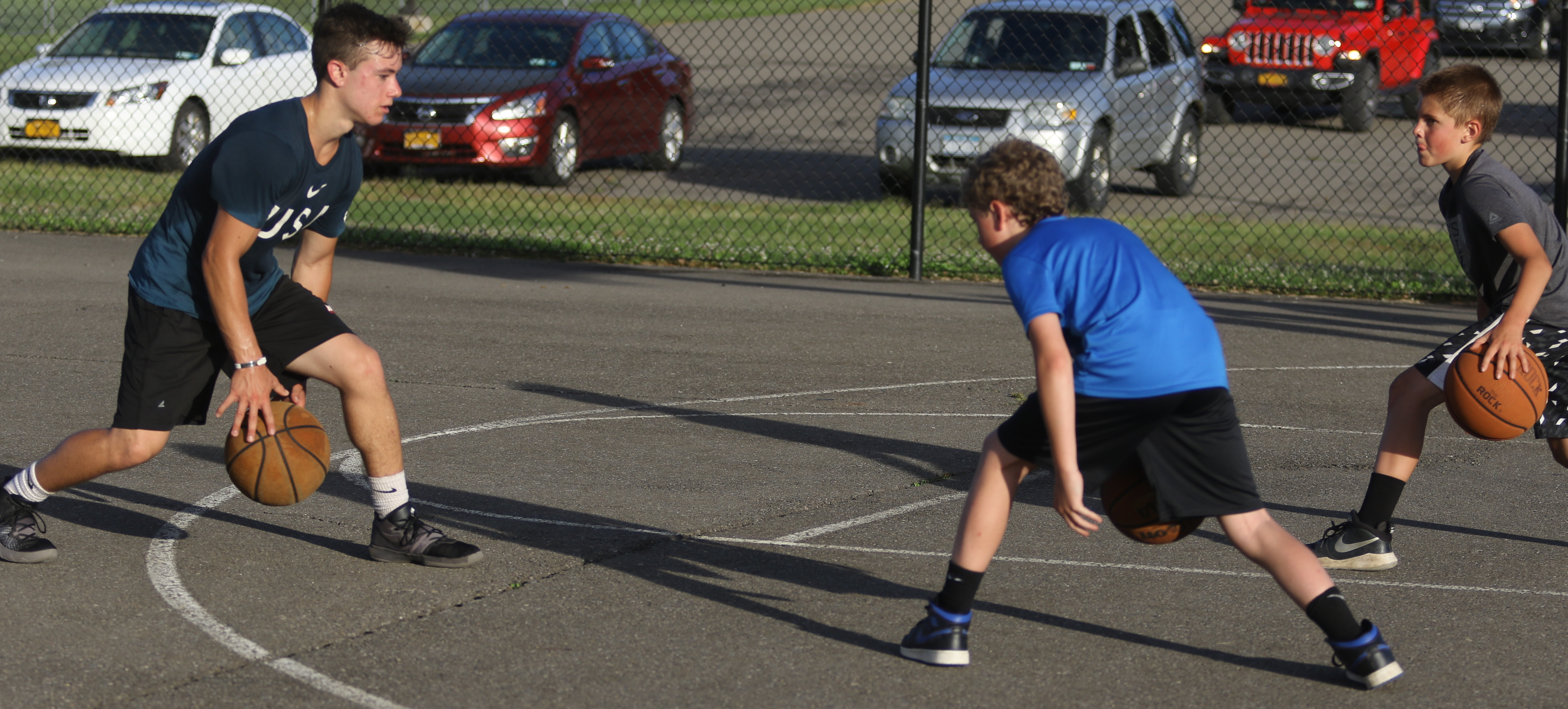 WAVERLY TEEN GIVING BACK TO COMMUNITY, SPORT BY HELPING WITH LOCAL AAU HOOP PROGRAM