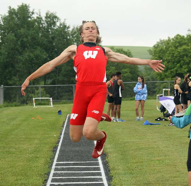 WHEELER WINS GOLD, WRIGHT BRONZE TO LEAD STRONG WAVERLY EFFORT AT SECTION IV SHOWCASE