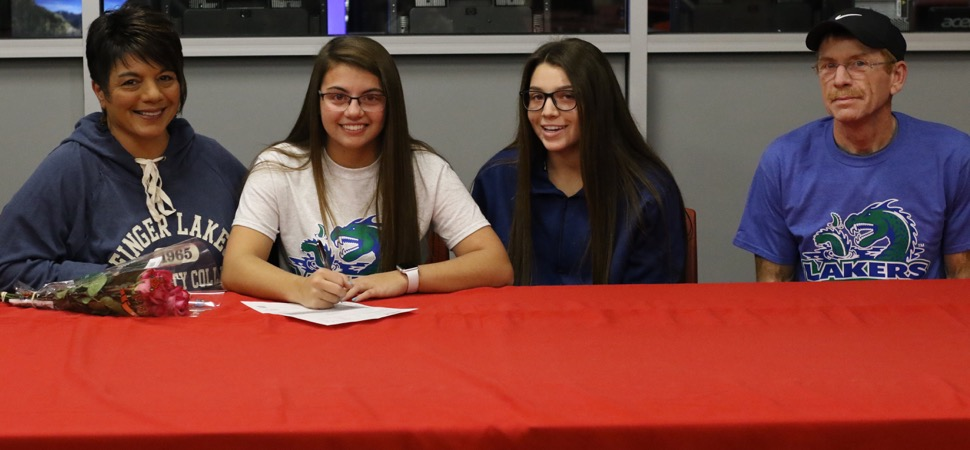 LEE SIGNS TO PLAY SOFTBALL AT FINGER LAKES CC