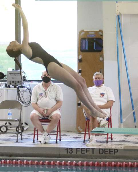 WAVERLY DUO PLACES SECOND, FOURTH IN CLASS C DIVING CHAMPIONSHIP