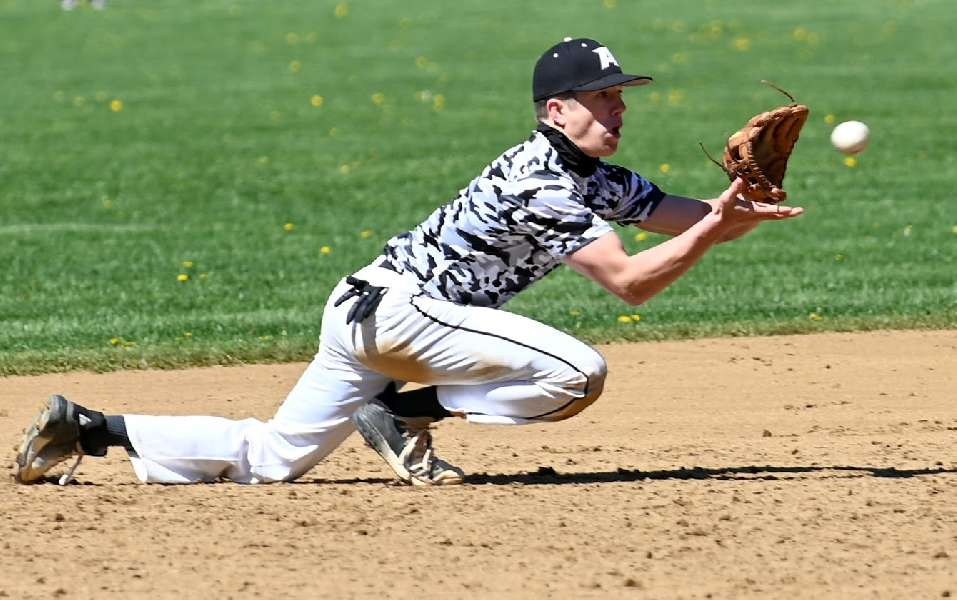 BIG INNING PROPELS ATHENS PAST WAVERLY, 9-3, AT 'BATTLE AT THE BORDER'