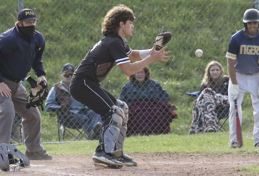 NP-MANSFIELD WALKS OFF WITH 6-5 WIN OVER ATHENS