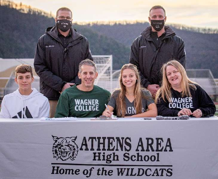 ATHENS' ROE TO PLAY AT D-I WAGNER COLLEGE