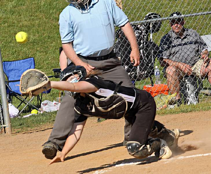 WYALUSING ROLLS OVER ATHENS, 13-0, IN LARGE SCHOOL SHOWDOWN
