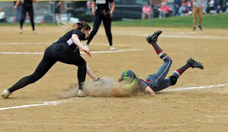 FRANKLIN PITCHES NEB PAST ATHENS