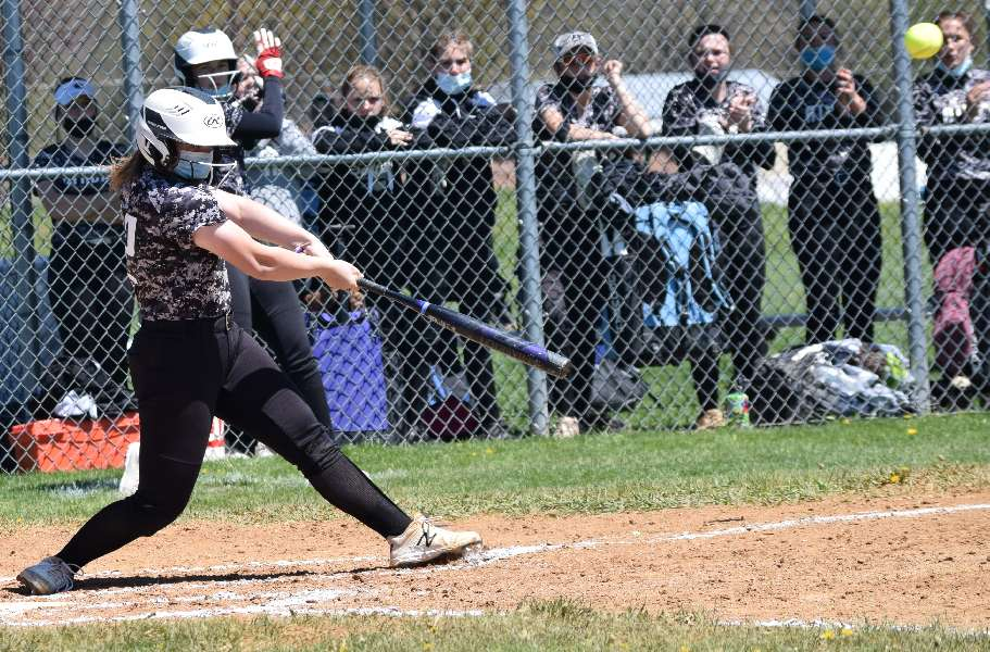 MACIK POWERS ATHENS TO 14-3 WIN OVER WAVERLY IN 'BATTLE AT THE BORDER'