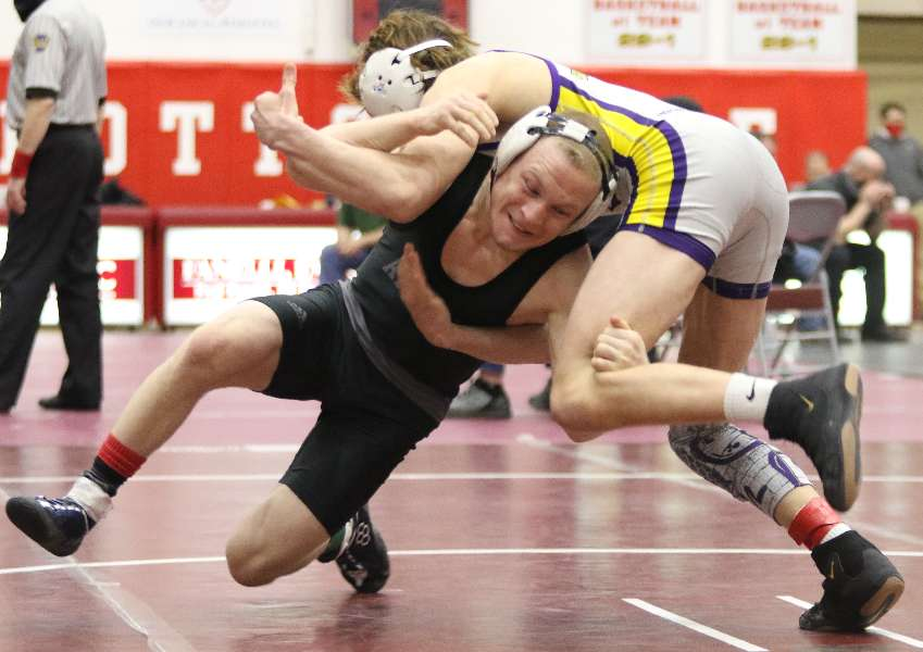 ATHENS' BRADLEY WINS FIRST BOUT AT SUPER REGIONAL BY FALL; ONE WIN AWAY FROM STATES