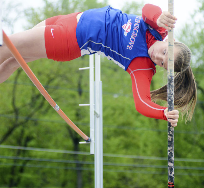 Bond Places 4th at Adidas Indoor Nationals in Pole Vault