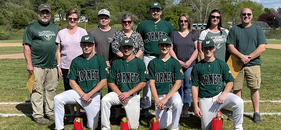 Hornets roll to 15-1 Senior Night win over Troy