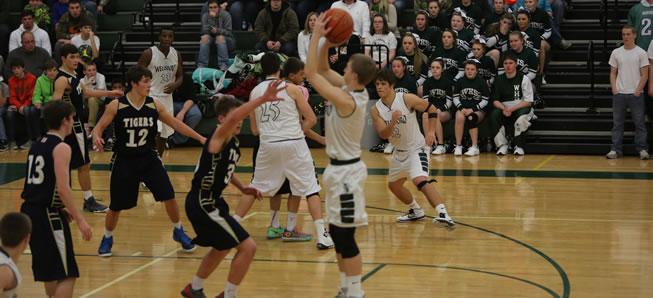 Hornet basketball falls to Mansfield, 58-46