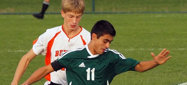 Boys Soccer falls to Benton in Districts