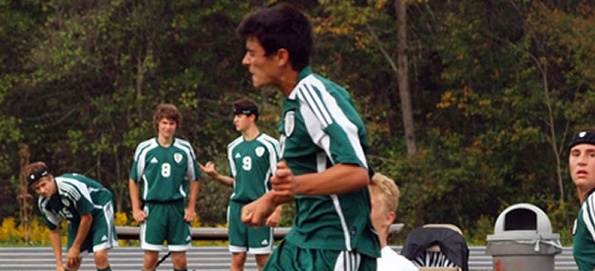 Boys soccer tops Williamson in 2OT