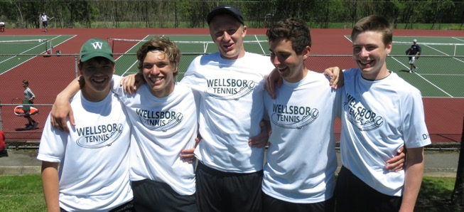 Hornet tennis competes at District Doubles