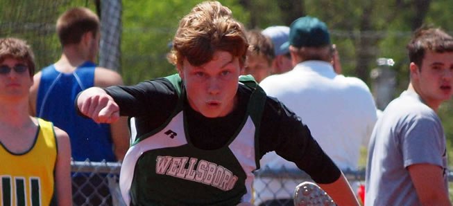 18 Hornets Qualify for District Track Meet
