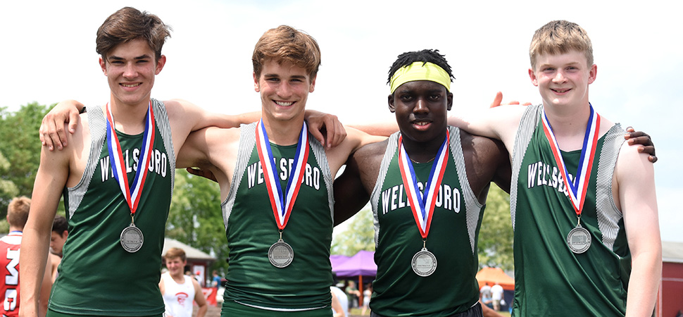 Hornet 4x100m Relay Takes 2nd; Earns Trip to States