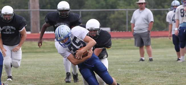 Hornets to Hold Youth Football Camp
