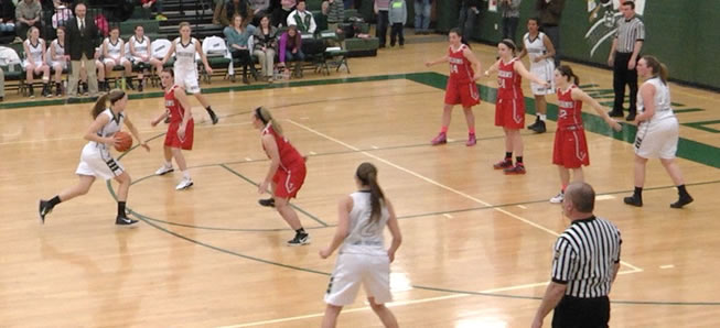 Lady Hornets down Troy, 46-35