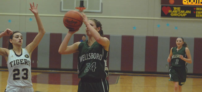 Poirier's career night leads Lady Hornets past Southern