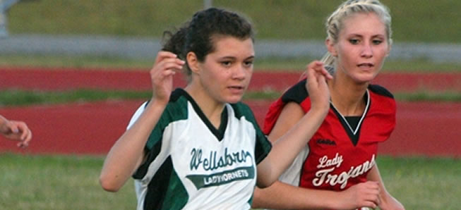 Girls soccer suffers 4-2 loss to Troy