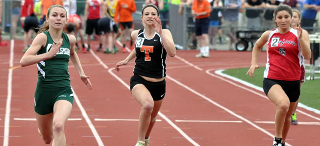 18 Hornets qualify for Distrct IV track meet