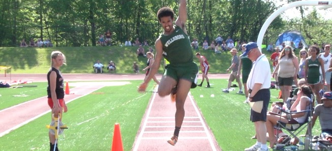 Hosey qualifies for State Championships