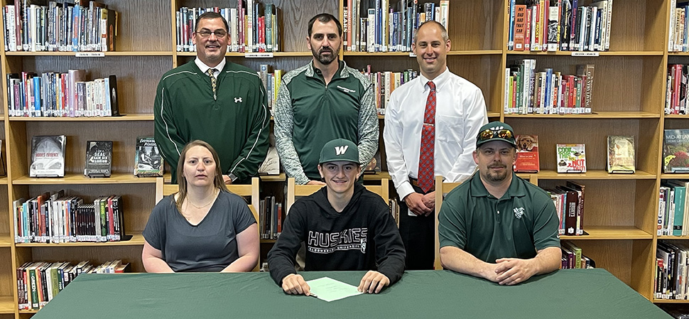 Hamblin signs with Bloomsburg to continue golf career