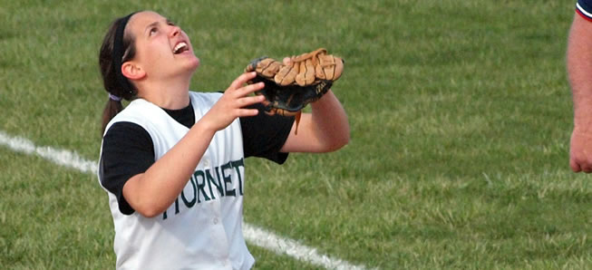 Hornet softball beats Canton in bottom of 8th