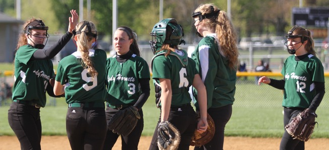Lady Hornets power past Athens