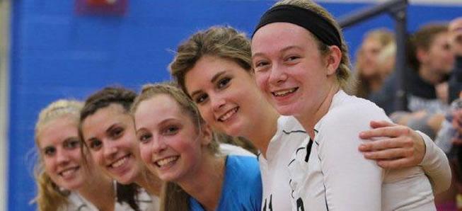 Hornet Volleyball wins on Senior Night