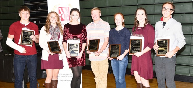 5 Hornets named Wellsboro Gazette Athletes of Fall Season.