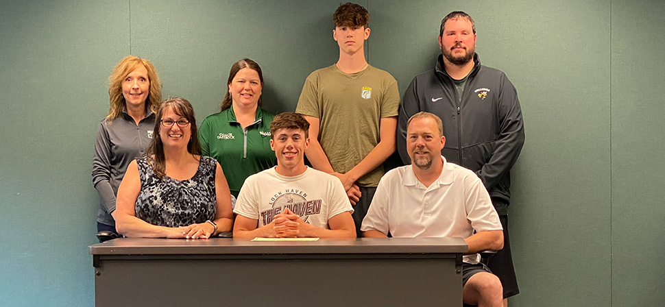 Richards signs with LHU